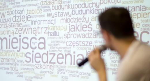 Paweł Kołacz opowiada o wynikach przeprowadzonych w CSW badań.